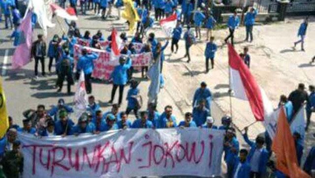 Aksi Mahasiswa UIR Buktikan Pergerakan Mahasiswa Belum Mati