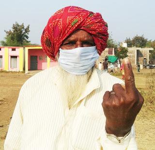 नेपानगर उप निर्वाचन में युवा मतदाताओं में रहा खासा उत्साह
