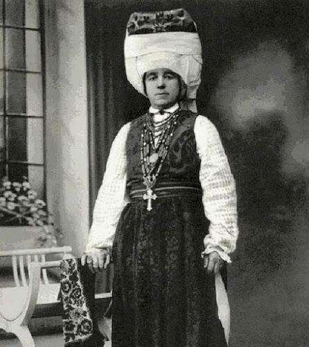 Традиционный белорусский женский костюм