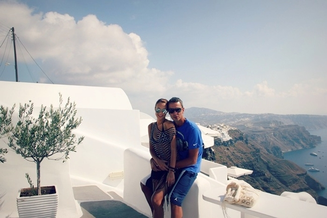 which hotel to choose for honeymoon in Santorini
