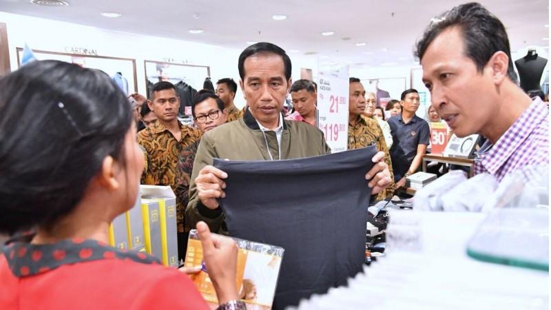 Jokowi berkunjung ke Matahari Department Store Balikpapan