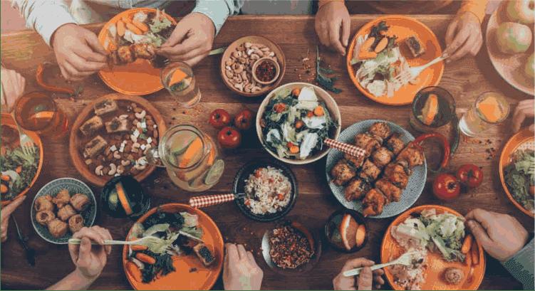 5 Jenis Makanan Yang Seharusnya Dihindari Saat Sahur