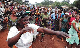 See Confusion in Ebonyi as women protest n@ked