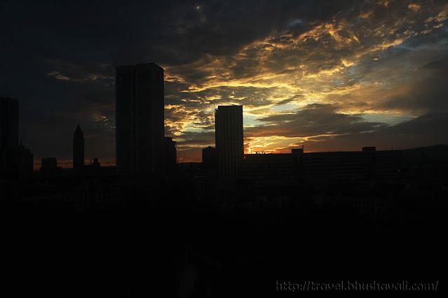 HILTON FRANKFURT CITY CENTRE Window view cityscape