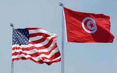 """ھنأ وزير الخارجیة الأمريكي مايك بومبیو، الشعب التونسي ورئیسه الجديد قیس سعید، قائلا إن ّ انتخابه شكل """"علامة فارقة مھمة على طريق الديمقراطیة في تونس"""". وقال بومبیو في بیان أمس """"أھنئ الشعب التونسي الذي مارس خلال عطلة نھاية الأسبوع"""