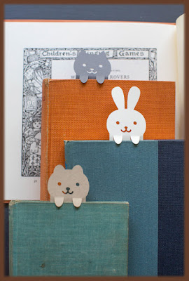 https://liagriffith.com/diy-papercut-animal-bookmarks/
