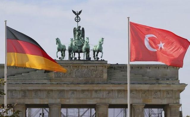 Το Βερολίνο αμφισβητεί τη νομιμότητα της τουρκικής εισβολής στη Συρία