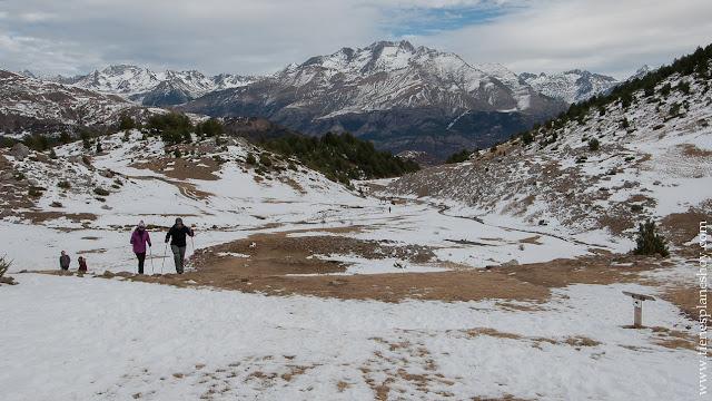 Rutas por montañas Huesca nieve Ibon de Piedrafita