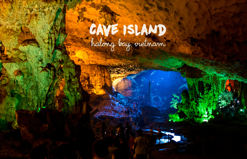 Visiting the sung sot cave in ha long bay