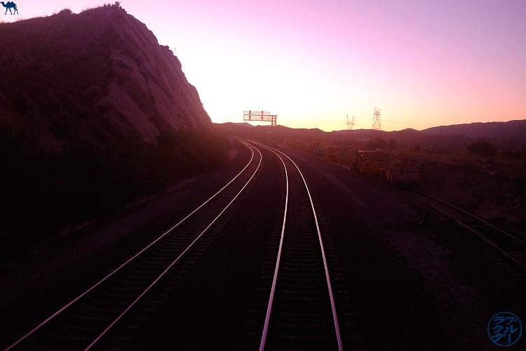 Le Chameau Bleu - Blog Voyage Chicago - Périple avec le Southwest Chief train Amtrak - Lever de soleil