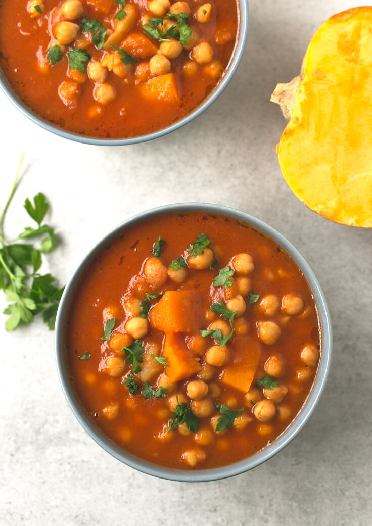 Chickpea Stew: This pumpkin and chickpea stew are to die for. It is a straightforward but very successful recipe, ideal for when it is cold.