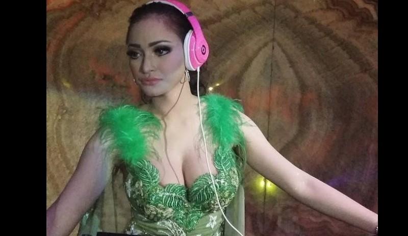 Amel Alvi sering memamerkan foto seksi saat nge-DJ
