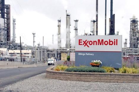 """""""كورونا"""" يكبد شركات النفط الأمريكية الكبرى خسائر مالية ضخمة"""