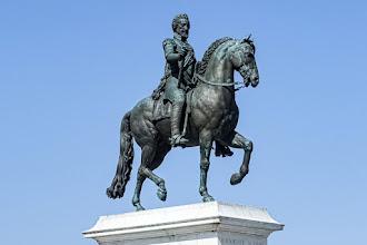 Paris : Statue équestre d'Henri IV sur le Pont Neuf, les secrets d'un monument, légende urbaine et révélations - Ier  / VIème