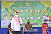 Ning Min Wakil Bupati Gresik Membuka Pasar Bandeng Serentak