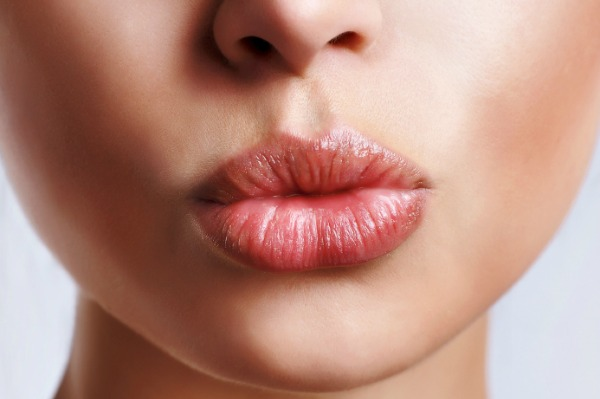 DIY Hacks For Plump Lips