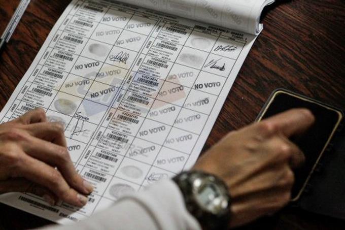 Oposición venezolana alerta de un posible fraude en comicios regionales