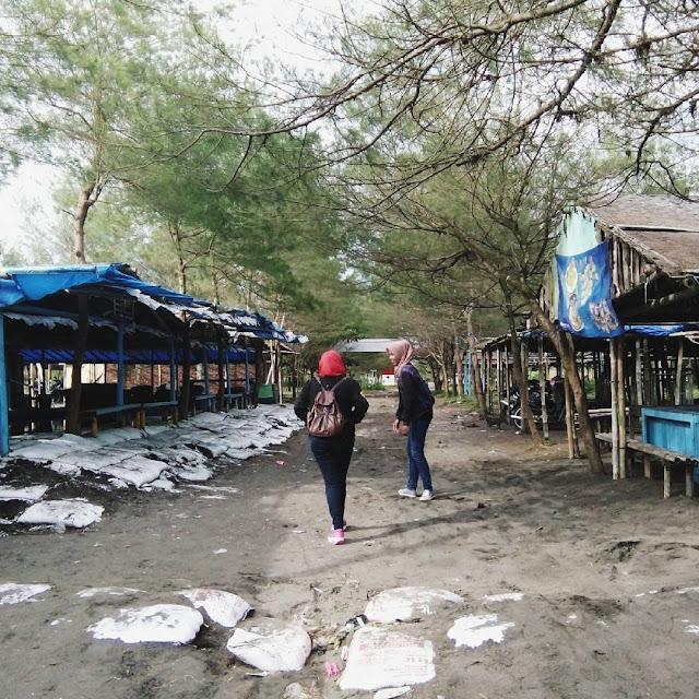 Pantai Bocor Kebumen, Menikmati Kemilau Senja Bersama Orang Tersayang