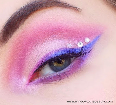 makeup by using huda beauty palettes