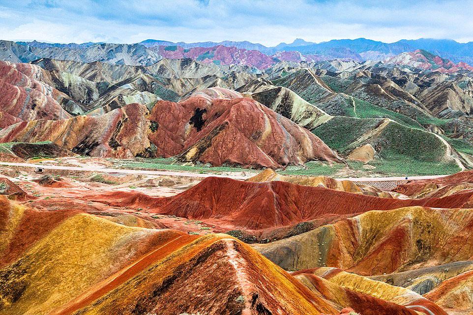 Ледяная долина Чжанъе в Китае