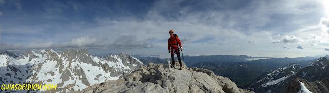 Fernando Calvo, Guia de alta montaña UIAGM en Picos e Europa, Escaladas al Picu Urriellu , Rab Equipment, Lowe Alpine CampCassin