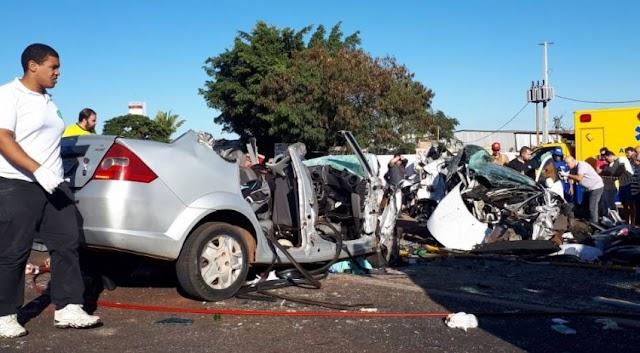 Grave acidente na PR-444 deixa quatro pessoas mortas em Arapongas