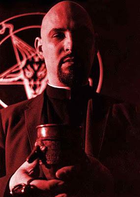Anton LaVey, fundador da Igreja de Satanás.