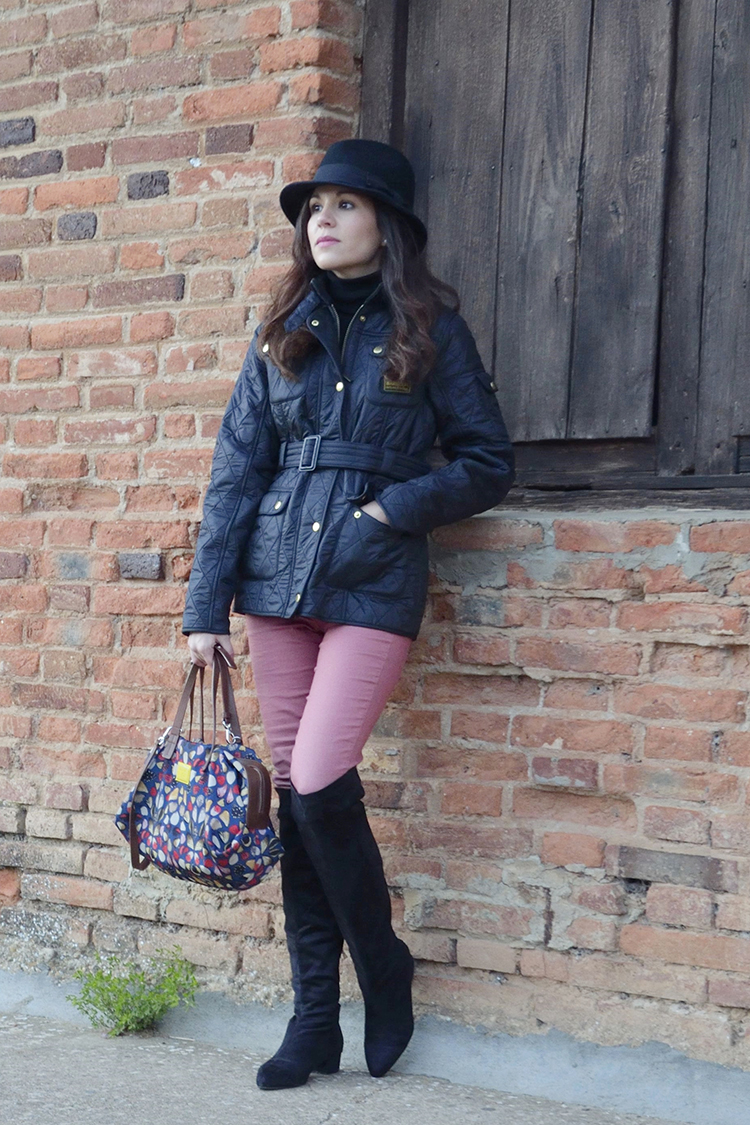 look-trends-gallery-blog-barbour-jacket-sombrero-hat-botas-mosqueteras