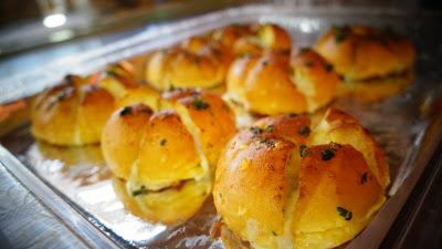 Roti Garlic Cheese Cirebon, Garlic Cheese Bread Cirebon, Roti Cirebon, Toko Roti Cirebon, Cake Shop Cirebon, Bakery Cirebon, Toko Kue Cirebon