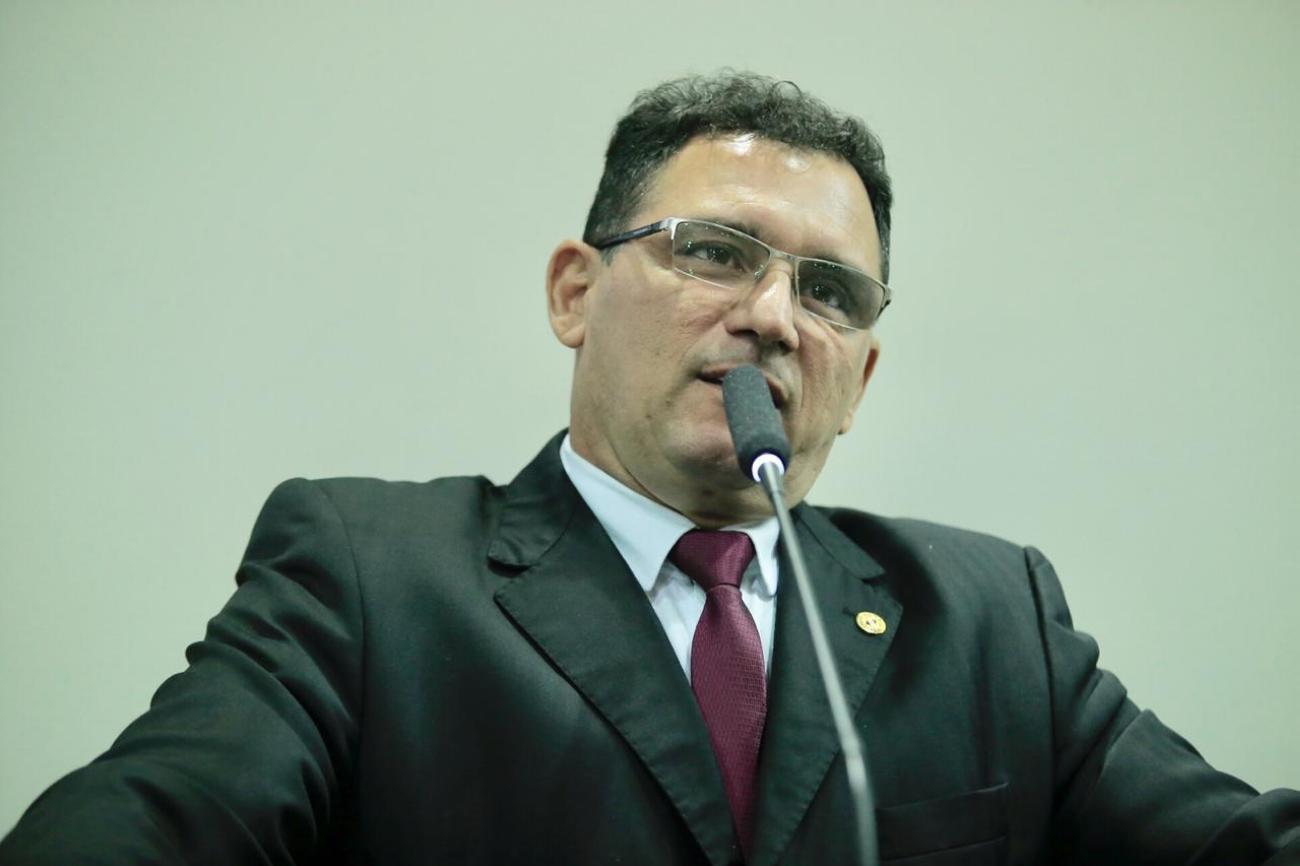 Justiça absolve Ângelo Ferrari de suposto crime eleitoral por uso de rádio da família