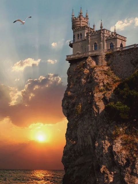 Beautiful Swallow's Nest, Crimea, Russia at Sunset | A Cup of T