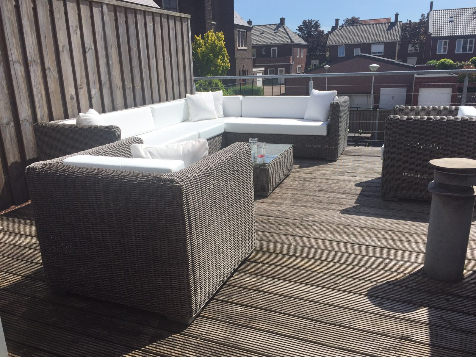 Arbrini design tuinmeubelen juni 2016 - Lounge design grijs ...