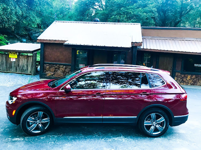 Side view of 2020 Volkswagen Tiguan 2.0T SEL with 4MOTION