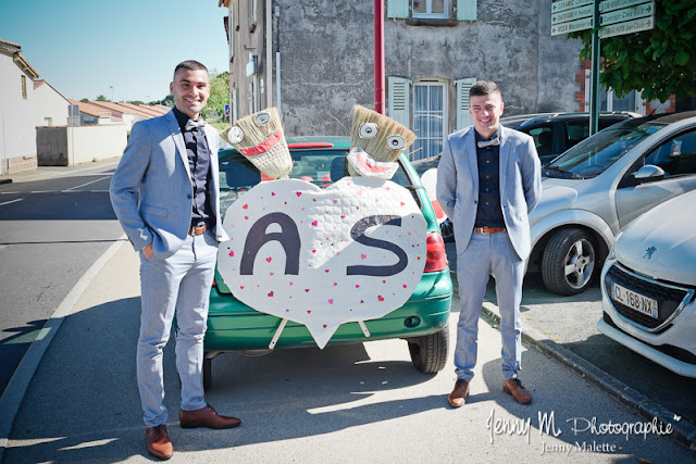photo voiture balais mariage