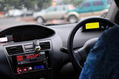 Bersiaplah! Tarif Taksi Online Akan Setara Blue Bird