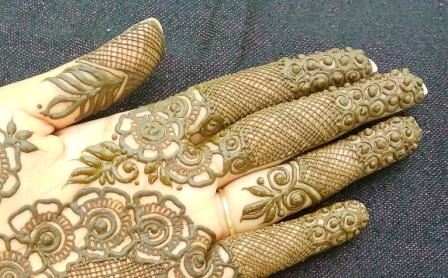 New Simple Semi-Bridal Mehndi Design