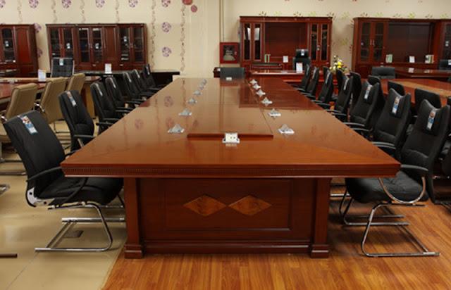 Bàn họp văn phòng gỗ tự nhiên đẳng cấp theo thời gian