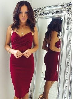 https://www.27dress.com/p/knee-length-burgundy-sheath-spaghettis-straps-sexy-homecoming-dresses-106493.html?utm_source=blog&utm_medium=ontemesomemoria&utm_campaign=post&source=ontemesomemoria