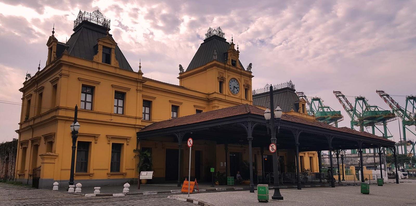 Estação de trem do Valongo, Santos, SP.
