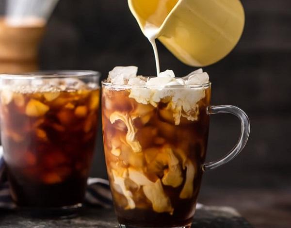 How to make vanilla iced coffee