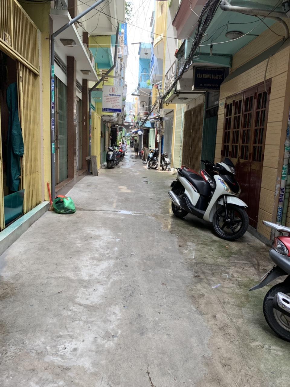 Bán nhà hẻm 4m đường Nguyễn Biểu phường 1 Quận 5 giá rẻ