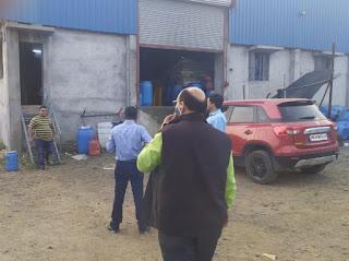 श्रम निरिक्षक मिश्रा व सौसंर नायब तहसीलदार ने अचानक किया औधोगिक क्षेत्र कंपनियो का निरीक्षण