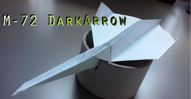Avión de papel M-72 DarkArrow