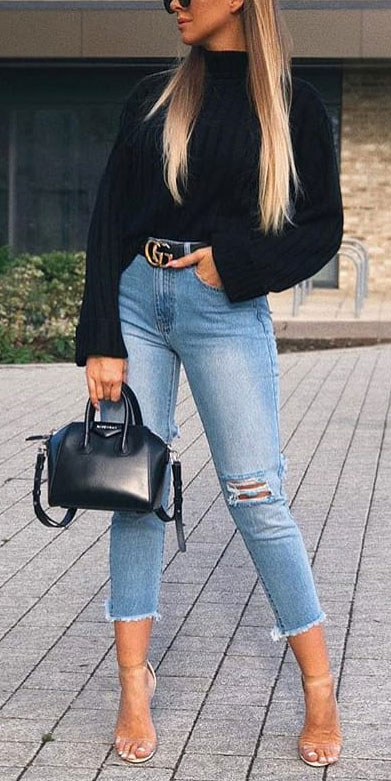 Are you wondering which pieces of clothing are in style this winter? Here we've prepared a complete list of the best winter fashion lookbook. Women's Outfit Ideas via higiggle.com | #winterstyle #fashion #jeans #jumper
