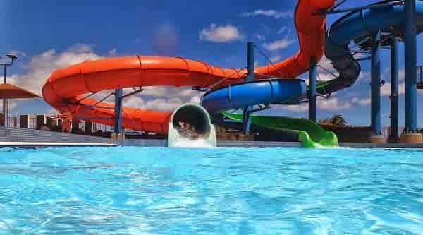 Quais os maiores parques de diversão e aquáticos do Brasil