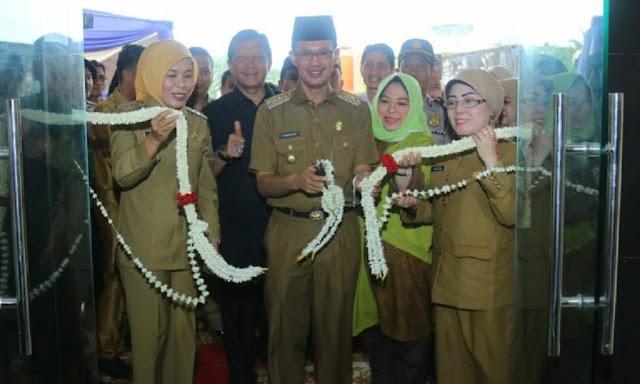 Walikota Palembang Harnojoyo bersama Wawako Fitrianti Agustinda Resmikan RSUD Gandus