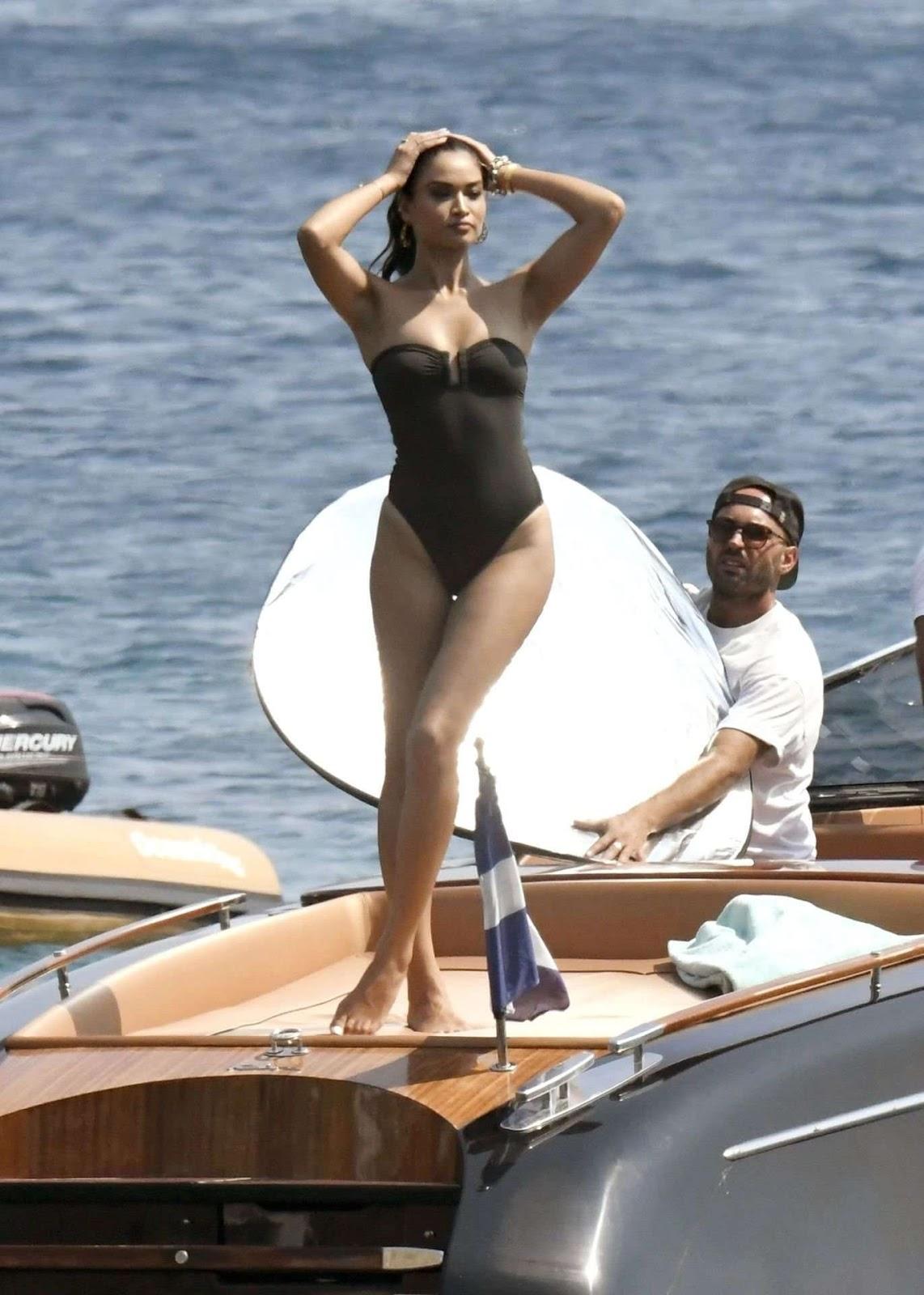 Shanina Shaik Sexy Booty on Beach