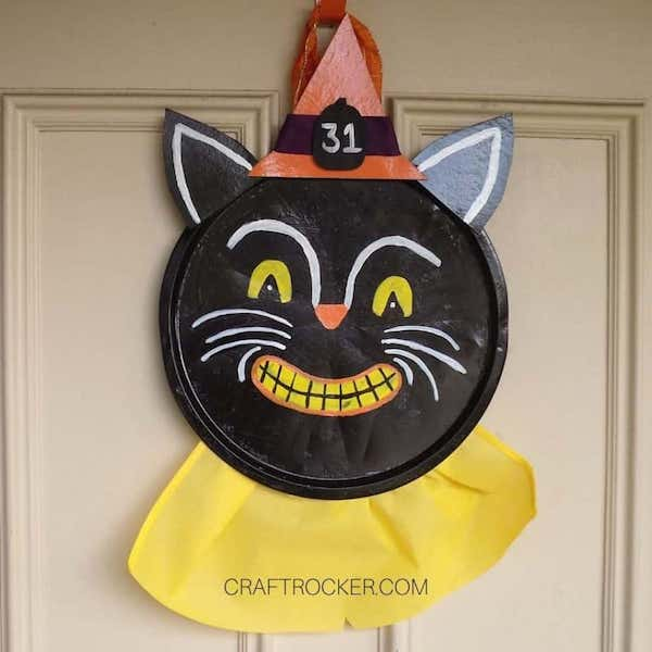 DIY Vintage Halloween Pizza Pan Wreath