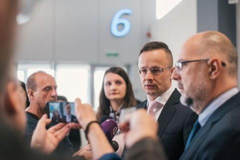 A szorosabb együttműködésből Románia és Magyarország is profitálhatna
