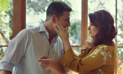 Twinkle Khanna Beaten Akshay Kumar on 18th Wedding Anniversary Watch Video